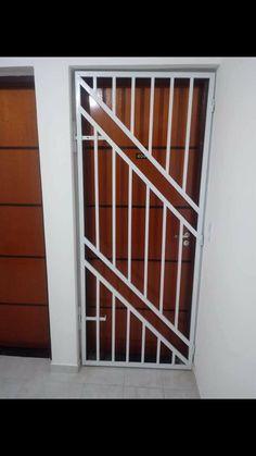 Window Grill Design Modern, House Window Design, Grill Door Design, House Gate Design, Gate Wall Design, Steel Gate Design, Front Gate Design, Room Door Design, Interior Railings