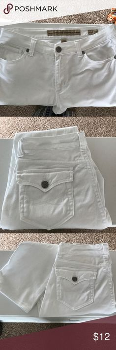"""Nine West Vintage Cute Ankle or Crop Pant by Nine West. These came cuffed, but I uncuffed them to wear as ankle length. There is a really small spot on left leg, see photo. The waist measures 26"""" across and the inseam(uncuffed) is 23"""", this is regular rise Nine West Pants Ankle & Cropped"""
