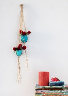 the-red-thread-hanging-egg-vases