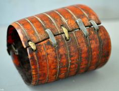 reverse of cuff with more brass and aluminum repairs. Ethiopian (collection Linda Pastorino)
