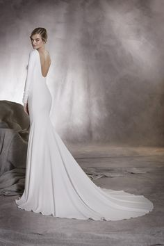 Elegance Redefined – The Beautiful New 2017 Bridal Collections From Pronovias
