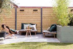 LOUNGEHOEK • een loungehoek voor in de tuin | a relax area for in the garden | Gezien op tv: aflevering 9, seizoen 8 van 'Weer verliefd op je tuin' | Make-over Leonie Mooren | Fotografie Barbara Kieboom