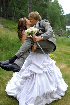 Bride lifting groom - a 'must' pic!  :-D
