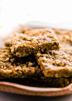 """Easy no bake Paleo """"Baklava"""" Bars! Use cup almond butter! Doesn't taste like baklava but is a very satisfying dessert with an awesome but crunch coming through the almond butter. Add cinnamon for more of a baklava flavor. Healthy Recipe Videos, Easy Healthy Recipes, Easy Dinner Recipes, Healthy Snacks, Easy Meals, Healthy Eating, Free Recipes, Paleo Recipes, Healthy Slice"""