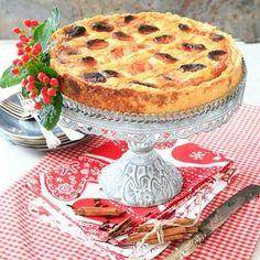 Kalkonpaj med julkryddor och aprikoser Camembert Cheese, Dairy, Desserts, Mat, Food, Recipe, Tailgate Desserts, Deserts, Essen