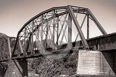 old-antique-railroad-steel-truss-span-bridge-24936105.jpg (800×534)