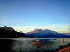 Throwback. 11/17/17.     #myphoto #photographer #leicadualcamera #leica #beautifulview #beautifuldestinations #wonderfulplaces #wonderful #specialweekend #love # #huntgram #igmasters #italy #scenic #splendid_shotz #hills #lake #landscapehunter #landscape #landscapephotography #landscaping #travel #travelblogger #followme #picoftheday #naturephotography #naturelovers #tagspormegustas #tagsforlikes