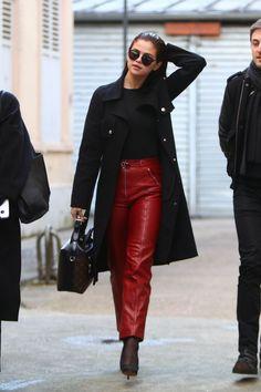 Outro dia estávamos num bate-papo no Facegrupo do Fashionismo, tentando desvendar o fenômeno Selena Gomez, a mulher mais seguida no Instagram, rainha dos likes e muito mais! Se uns falam que ela tem jeitinho de 'girl next door', ok, mas pelo menos só no rostinho, pois Selena tem andado mais fashionista que nunca e nosso […]