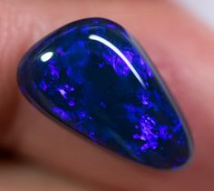 Black Opal No Reserve Auctions x x carats Auction Opal Auctions Lightning Ridge, Rough Opal, Black Opal, Opal Auctions, Solid Black, Gems, Products, Rhinestones, Jewels