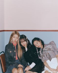 for Marie Claire Korea magazine February 2019 issue Kpop Girl Groups, Korean Girl Groups, Kpop Girls, Marie Claire, Gfriend Yuju, Gfriend Sowon, Extended Play, Jung Joon Young, Korean Entertainment