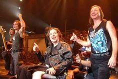 Iron Maiden'ın ilk davulcusu Clive Burr hayatını kaybetti