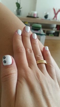 White nails Black design Cat 😻