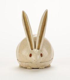 Nonomura Ninsei, Kyoto ware incense box in shape of crouching rabbit, mid 17th century