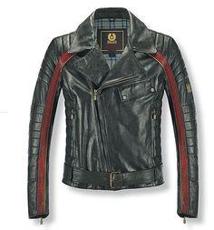 C'est ce qu'on appelle du beau blouson! Rétro à souhait avec ses flancs matelassées, ses bandes rouges et son coté mi-perfecto mi- cuir de piste des 70's … Le Belstaff Osborne est proposé de tailles S à XXXL, possède des aérations sous les bras et au niveau de la taille. Aussi racé qu'il soit, au … Men's Leather Jacket, Vintage Leather Jacket, Vest Jacket, Leather Men, Quilted Leather, Belstaff Jackets, Leather Fashion, Mens Fashion, Biker Wear