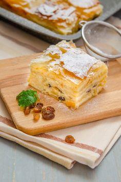 Home - Din secretele bucătăriei chinezești - Page 6 Romanian Desserts, Romanian Food, Sweets Recipes, Easy Desserts, My Favorite Food, Favorite Recipes, Good Food, Yummy Food, Coconut Macaroons
