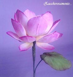 Fiore di loto in pasta di zucchero - Gumpaste lotus flower