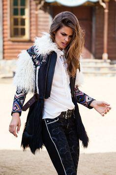 Foto de Campaña Highly Preppy Otoño-Invierno 2015/2016 (15/15) Boho Hippie, Bohemian Style, Bohemian Fashion, Cool Outfits, Casual Outfits, Estilo Boho, Short Hair Cuts, Preppy, Bomber Jacket