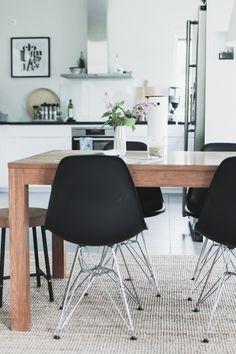 VILLA ILONA Interior And Exterior, Interior Design, Interior Inspiration, Kitchen Inspiration, Kitchen Ideas, Stylish Home Decor, Scandinavian Home, Dining Area, Dining Room