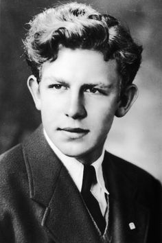 Andy Griffith is a actor, director, producer, Grammy Award-winning Southern- gospel singer and a writer. In 1957 Griffith made his film debut starring Hollywood Stars, Classic Hollywood, Old Hollywood, Sean Penn, Catherine Deneuve, Young Celebrities, Celebs, Hollywood Celebrities, Hollywood Actresses