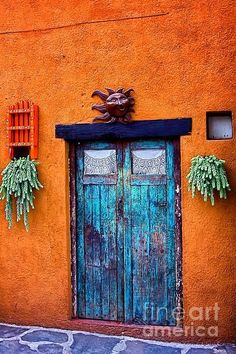 A colorful entrance door to a residence in San Miguel de Allende Mexico . by Nicola Fiscarelli. Cool Doors, Unique Doors, Knobs And Knockers, Door Knobs, Entrance Doors, Doorway, When One Door Closes, Jolie Photo, Painted Doors