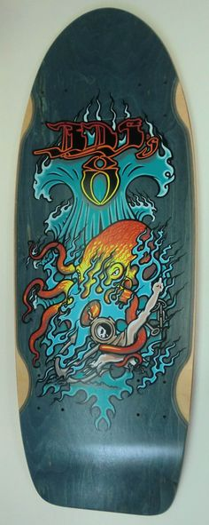 My First 8-wheeler skateboard from Wes  Humpston. Very Cool Deck