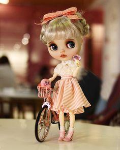 Beautiful Barbie Dolls, Pretty Dolls, Tiny Dolls, Blythe Dolls, Doll Wardrobe, Valley Of The Dolls, Smart Doll, Collector Dolls, Custom Dolls