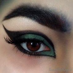 Beauty By Krystal: ELF Wicked Halloween Beauty Book - review & eye look Beauty Book, Creative Makeup, Krystal, Book Review, Elf, Wicked, Halloween, Elves, Crystal