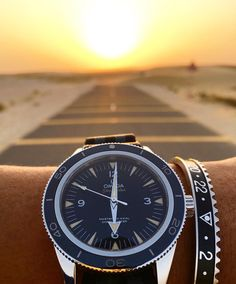 Rise and shine ... with @kbaydr and speedometerofficial bangle!
