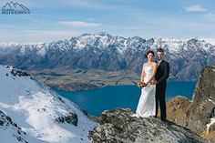 Bride & Groom have wedding at Garden Spurs above lake Wakatipu Queenstown New Zealand, heli weddings. Wedding Photography