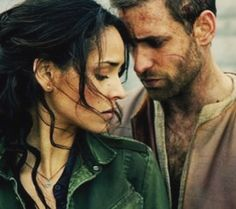 Oliver Jackson-Cohen and Adria Arjona in Emerald City