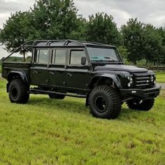 because sometimes, inches simply doesn't cut it. Superb… because sometimes, inches simply doesn't cut it. By Michael Bax Range Rover Off Road, Range Rover Sport, Land Rover 130, Land Rovers, Land Rover Defender 110, Landrover Defender, Defender Camper, F100, Land Rover Models