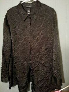 Maggie Barnes women's black boutique quality blouse Szabo 16 W in US (sells for $5)