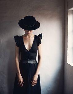 Publication: The Edit Magazine Photography: Yelena Yemchuk Styled by: Tracy Taylor Hair: Kylee Heath Makeup: Molly Stern Celebrity: Nicole Kidman