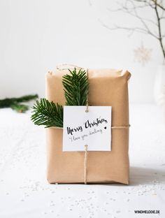 Scandinavian christmas decoration in black and white and diy gift wrapping ideas