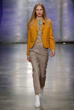 Topshop Unique Fall 2017 Ready-to-Wear Fashion Show Collection Fall Winter 2017, Autumn Winter Fashion, Fashion Fall, Fashion 2017, Runway Fashion, Fashion Trends, Fashion Weeks, Unique Fashion, High Fashion