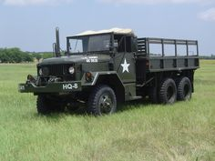 Army Duce of the stiff ass ride, put you to sleep like baby. That is till the driver hits the brakes Cool Trucks, Big Trucks, 6x6 Truck, Bug Out Vehicle, Army Vehicles, Heavy Truck, Military Equipment, Panzer, Vietnam War