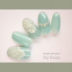 Semi-transparent mint and lace Nail Art Dentelle, Japan Nail, Fingernails Painted, Lace Nails, Flower Nails, Stiletto Nails, Nail Jewels, Japanese Nail Art, Round Nails