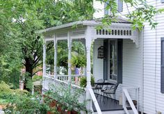 Front Spring May12014 Claiborne House Bed and breakfast rocky ...