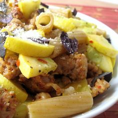 Italian sausage, zucchini and pasta Italian Recipes, New Recipes, Dinner Recipes, Favorite Recipes, Healthy Recipes, Tasty Meals, Healthy Eats, Recipies, Summer Squash Pasta