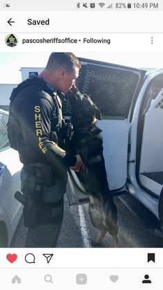 Now that's 1 special kiss! Military Working Dogs, Military Dogs, Police Dogs, Hot Cops, War Dogs, Men In Uniform, German Shepherd Dogs, German Shepherds, Service Dogs