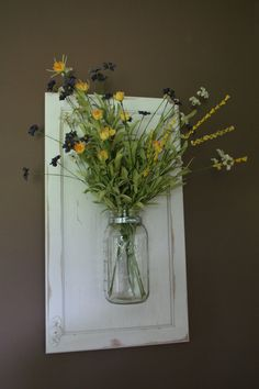 Upcycled cabinet Doors - Wall Hanging Mason Jar Vase on Recycled Wood Cabinet Door Hanging Mason Jars, Mason Jar Vases, Mason Jar Crafts, Hanging Wall Vase, Wall Mounted Vase, Cabinet Door Crafts, Wood Cabinet Doors, Old Wood Doors, Cupboard Doors