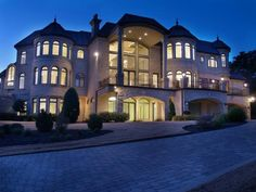 Beautiful Estate Home in Austin, Texas. I know its 7.4 Million, but a guy can dream #homes #homestyles #luxuryhomes