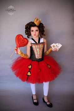 Items similar to READY to SHIP Size Red Queen costume and tutu dress from Alice in Wonderland on Etsy Group Halloween Costumes, Halloween Cosplay, Diy Costumes, Halloween Kids, Red Queen Costume, Queen Of Hearts Costume, World Book Day Costumes, Book Week Costume, Alice In Wonderland Costume
