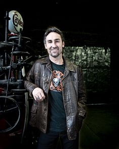 American Pickers star (and part-time local) Mike Wolfe talks junk pickin' and his favorite Nashville antique haunts