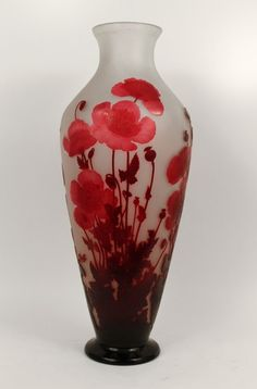 A colossal floral vase by Emile Galle. Made in France Circa: 1910 Signature: Galle
