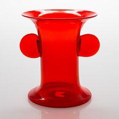 Oiva Toikka, vas, signerad Oiva Toikka, Nuutajärvi Notsjö. - Bukowskis Red Glass, Glass Art, Glass Design, Design Art, Nordic Design, Bukowski, Wine And Spirits, Modern Contemporary, Retro Vintage