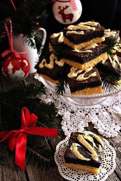 Karácsony közeledvén milyen süti is lehetne a legjobb, mint egy finom mákos egy csipetnyi fehér csokoládéval... Imádj...