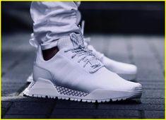 556aa4343dbfc 1624 mejores imágenes de Premium Sneakers en 2019