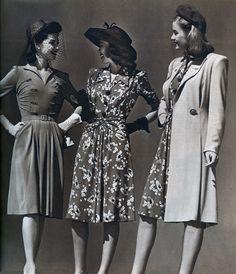 Trong những năm 40s, phụ nữ thường mặc những chiếc váy vintage đơn giản để họ có thể thoải mái đi lại và thuận tiện khi làm việc.