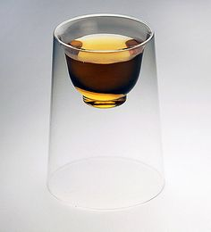 At first glance, this transparent tumbler looks like a regular glass with a simple form. But wait, inside it has a unique design offering a dual purpose, for both hot and cold drinks. These designer glasses are also double-layered and heat resistant (temperature resistance: 85ºC), allowing you to enjoy a good cup of tea without …